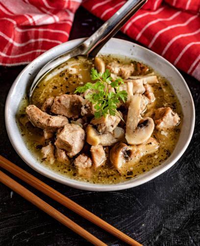 Porc et champignons à l'ail, patates douces