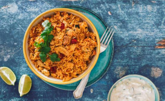 Colombo de poulet, riz et légumes