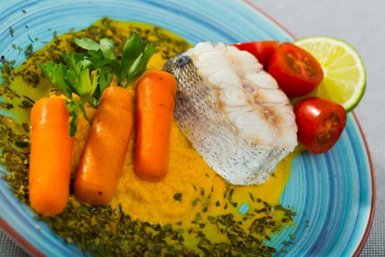 Colin aux aromates et purée 3 légumes