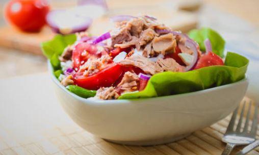 Salade composée thon et citronnelle