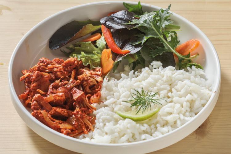 Poêlée de légumes à la mexicaine et purée de manioc épicée