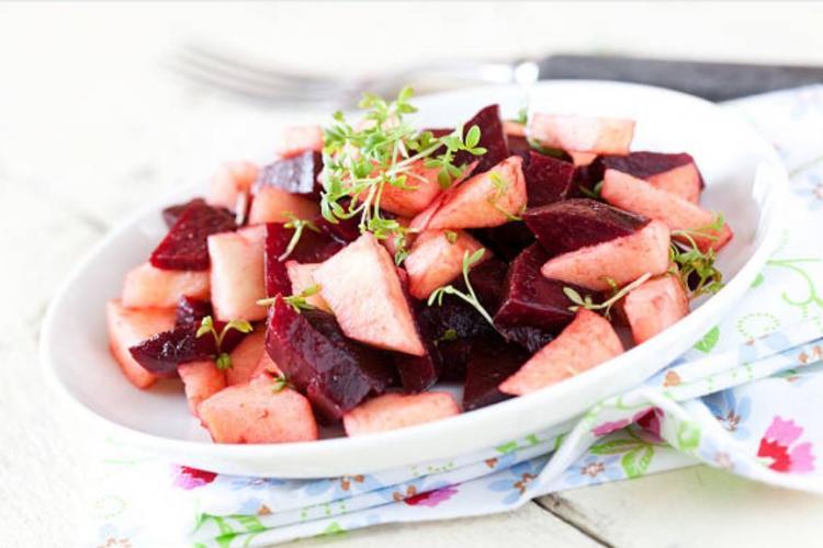 Salade de betteraves aux pommes