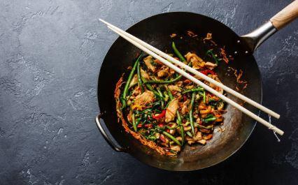 Wok de volaille aux feuilles de curry