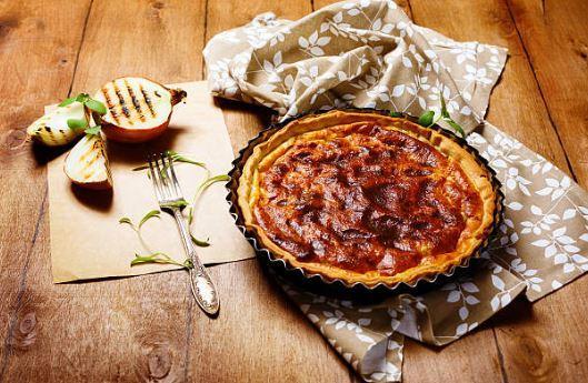 Tarte fine aux oignons caramélisés et vinaigre balsamique