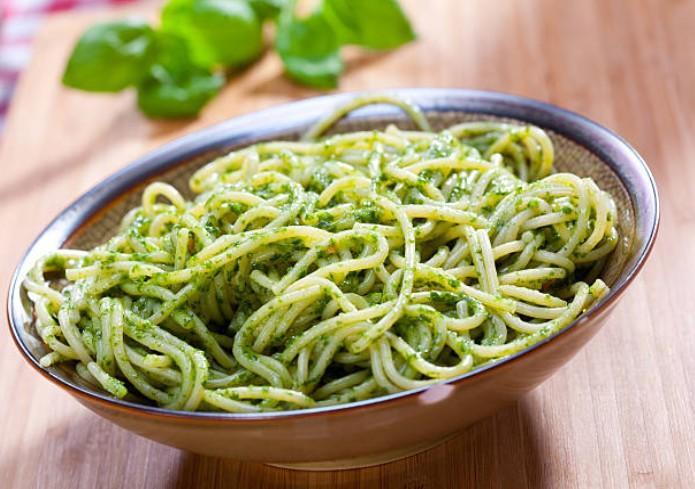 Spaghetti au pesto d'amande