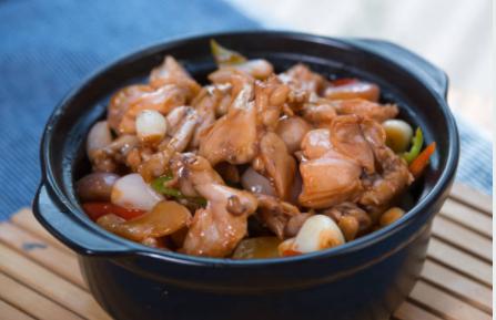 Fricassée de poulet et perles à l'orientale