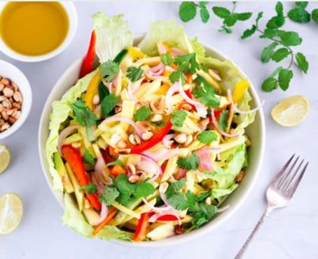 Salade thaï aux cacahuètes