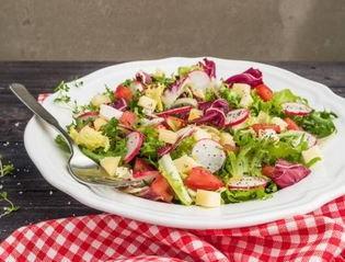 Poke bowl légumes, graines et fruits