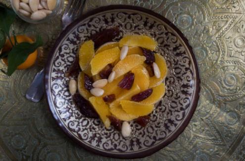Salade aux dattes, orange et ananas