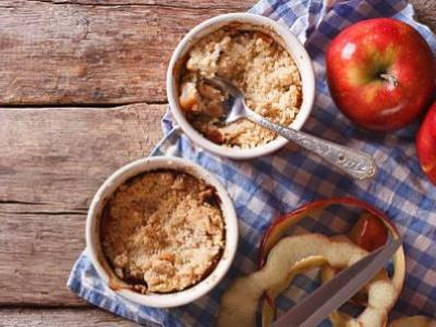 Crumble pommes cannelle fromage blanc