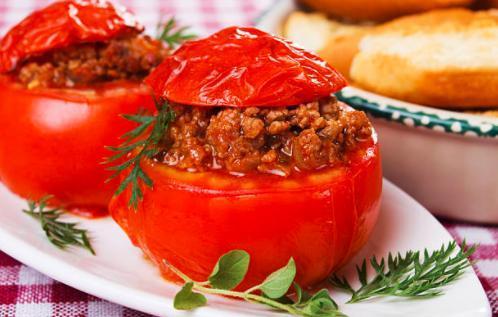 Tomates farcies bœuf et pignons