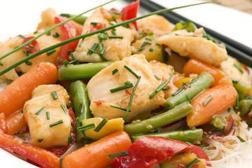 Wok poisson blanc légumes