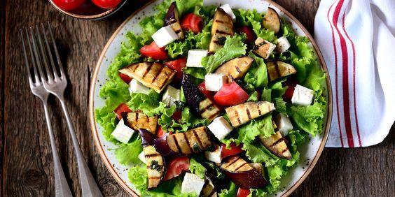 Salade d'aubergines tomates et pignon