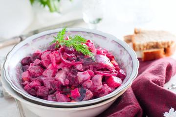 Salade de betterave et pomme de terre à l'oeuf