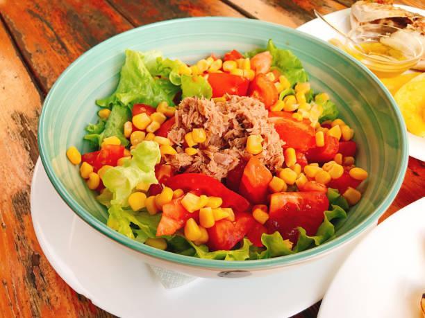 Salade composée thon maïs