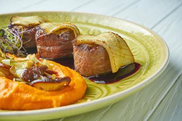 Sauté de bœuf féfé aux aubergines