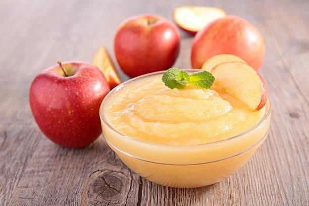 Compote de pommes au calvados et biscuit sablé