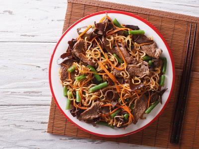 Nouilles thaïes sautées au bœuf