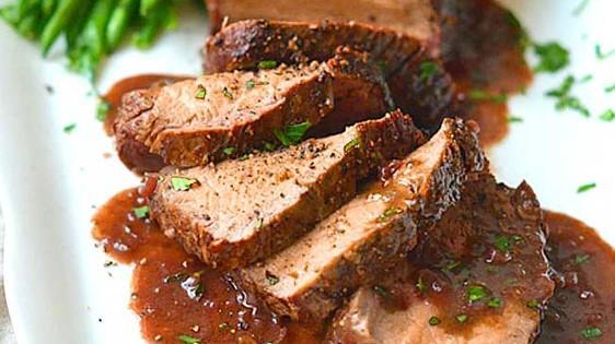 Porc grillé au four à la sauce au tamarin et riz