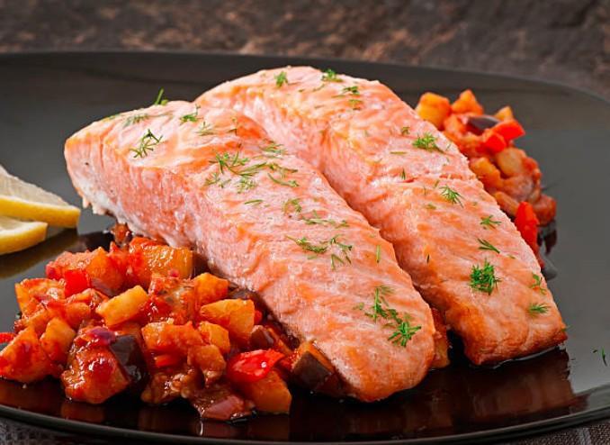 Saumon ratatouille et quinoa aux herbes