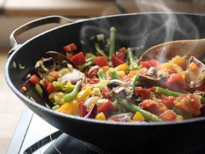 Wok aux légumes sésame et champignons