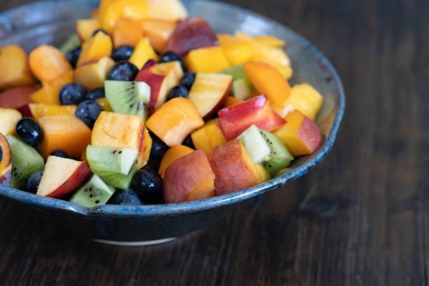 Salade de fruits rose et graines de chia