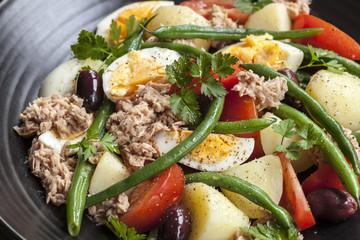Thoïonade et salade composée
