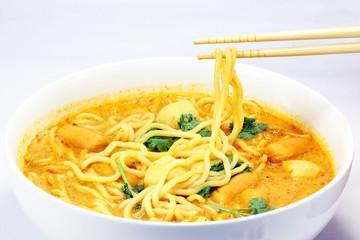 Noodle poulet curry