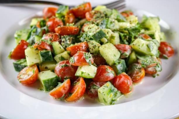 Salade de concombre et pomme de terre aux cives