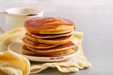Pancake au caramel salé