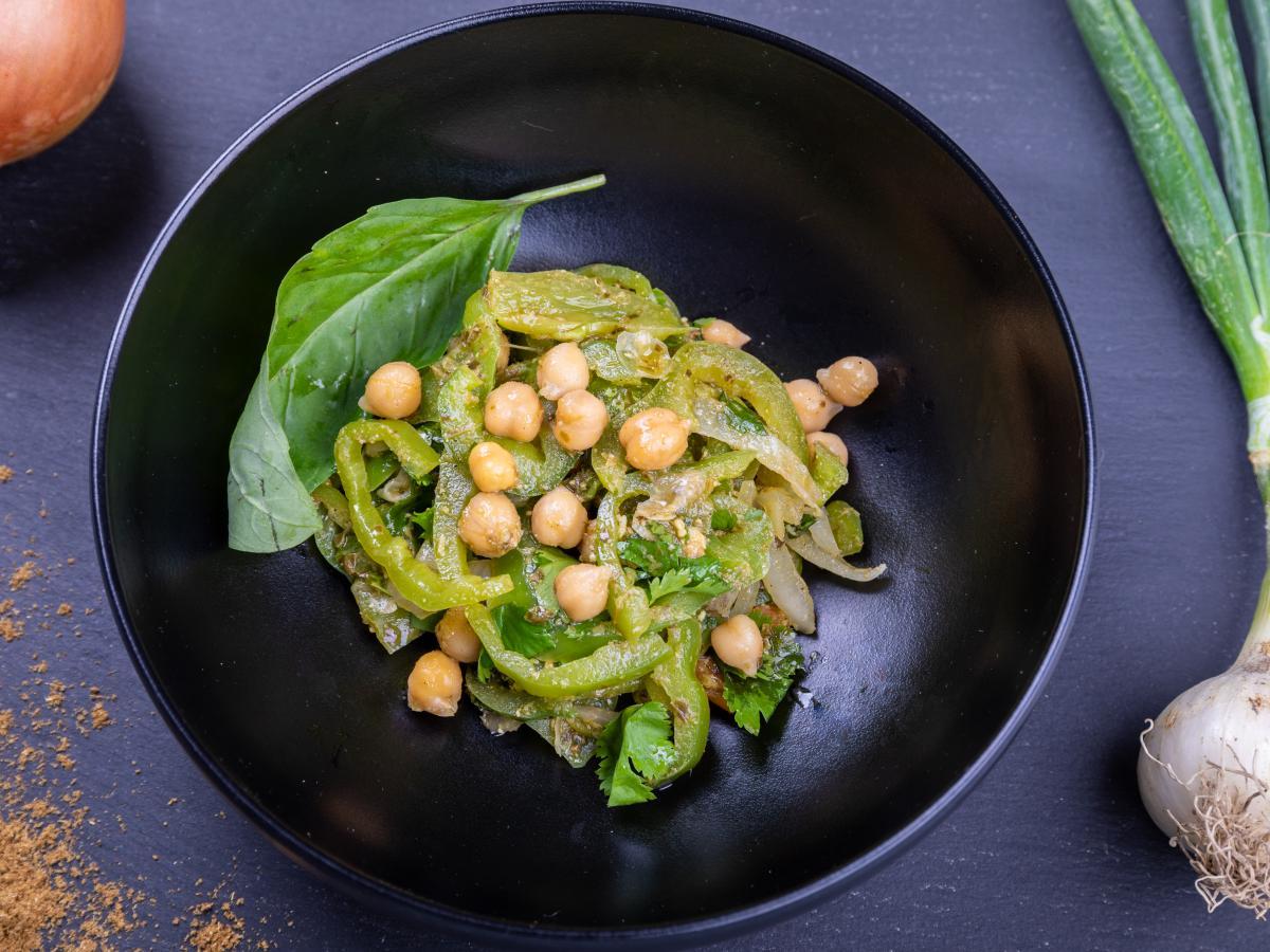 Salade de poivrons au basilic