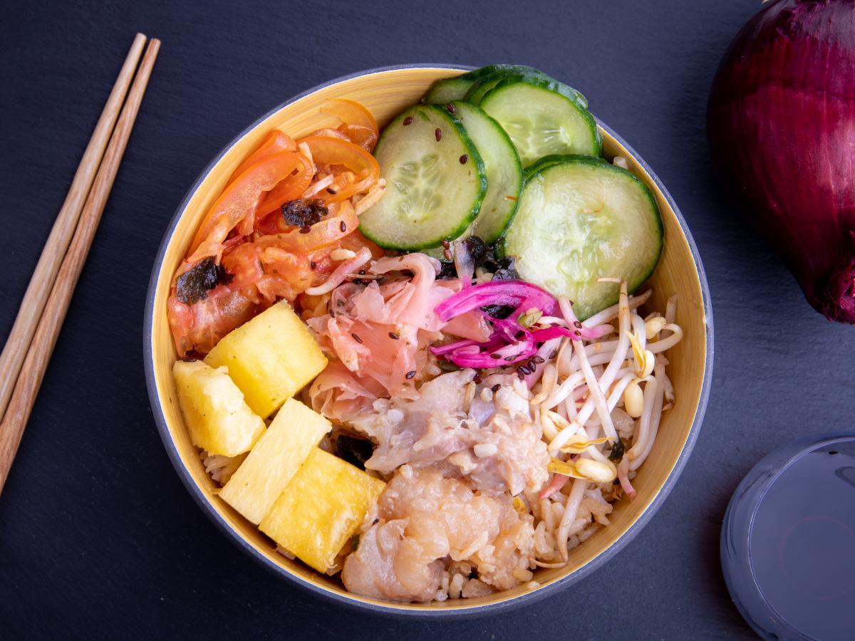 Poke bowl saumon ananas
