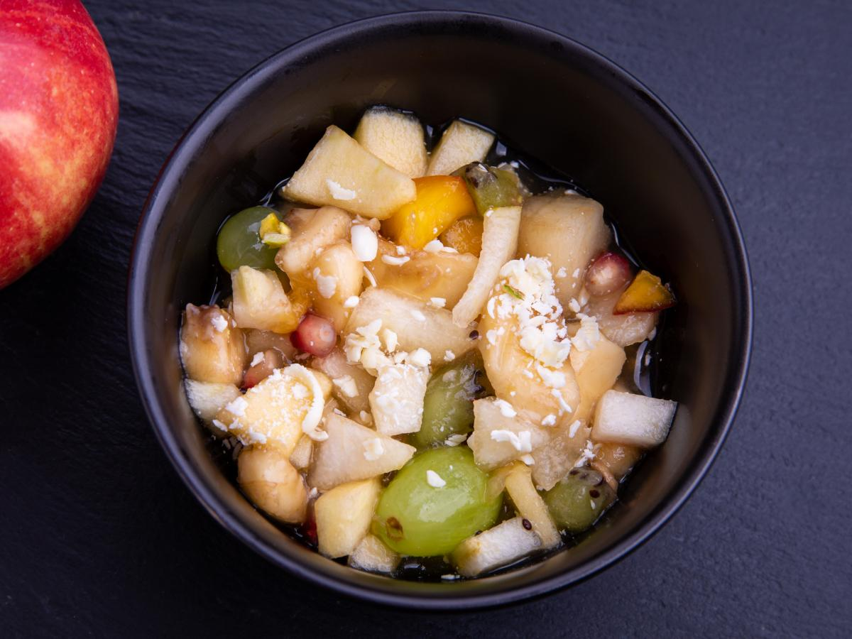Salade de fruits pistaches et chocolat blanc