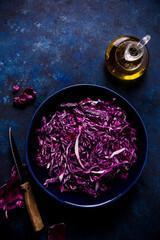 Salade de chou rouge aux amandes grillées