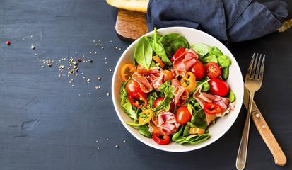 Grande salade napolitaine