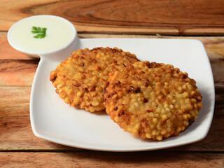 Sabudana Vada : galette de pommes de terre et chutney à la menthe