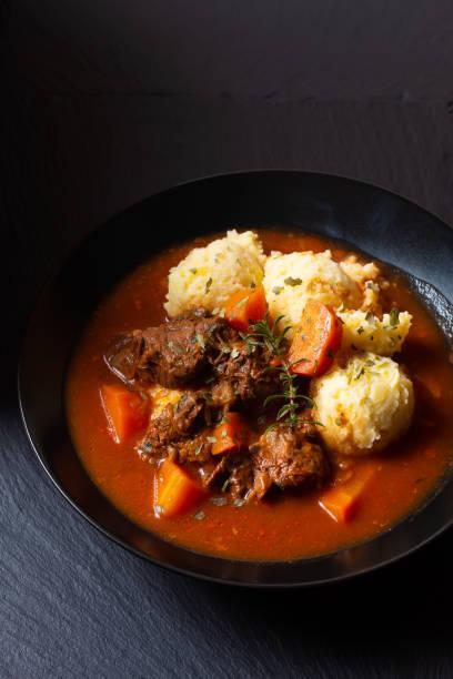 Sauté de bœuf et purée de pommes de terre au romarin