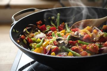 Poêlée de légumes et légumineuses au paprika fumé